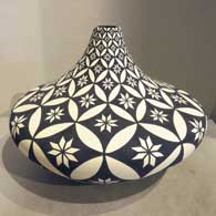 Dorothy Torivio of Acoma Pueblo made this black and white jar with geometric design