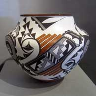 Polychrome pot