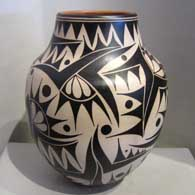 Polychrome jar with geometric design