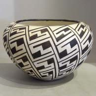 Black and white pot with fine line design
